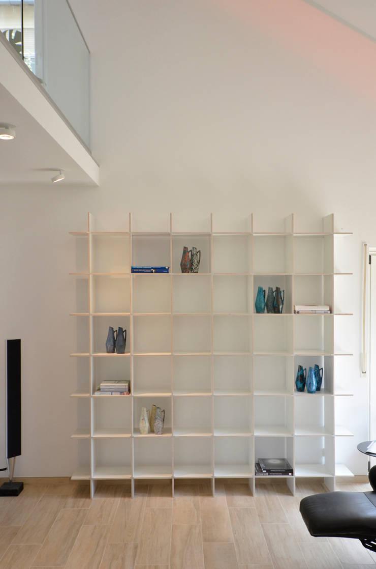 Umbau 90er Jahre Wohnhaus: modern  von HONEYandSPICE innenarchitektur + design,Modern Holz Holznachbildung