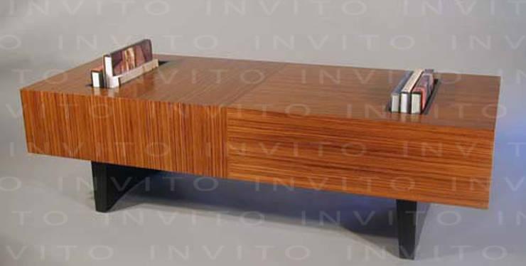 Mesa de Centro Domino : Salas de estilo  por INVITO