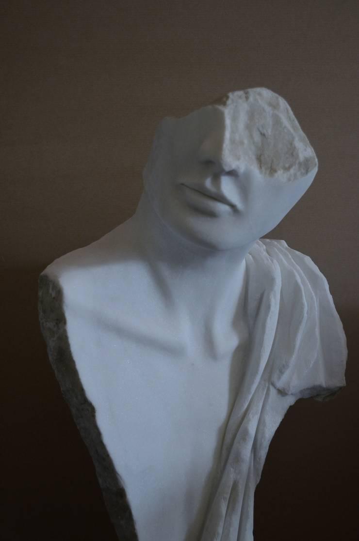Sculptures en marbre: Art de style  par Mancardi Sculpture