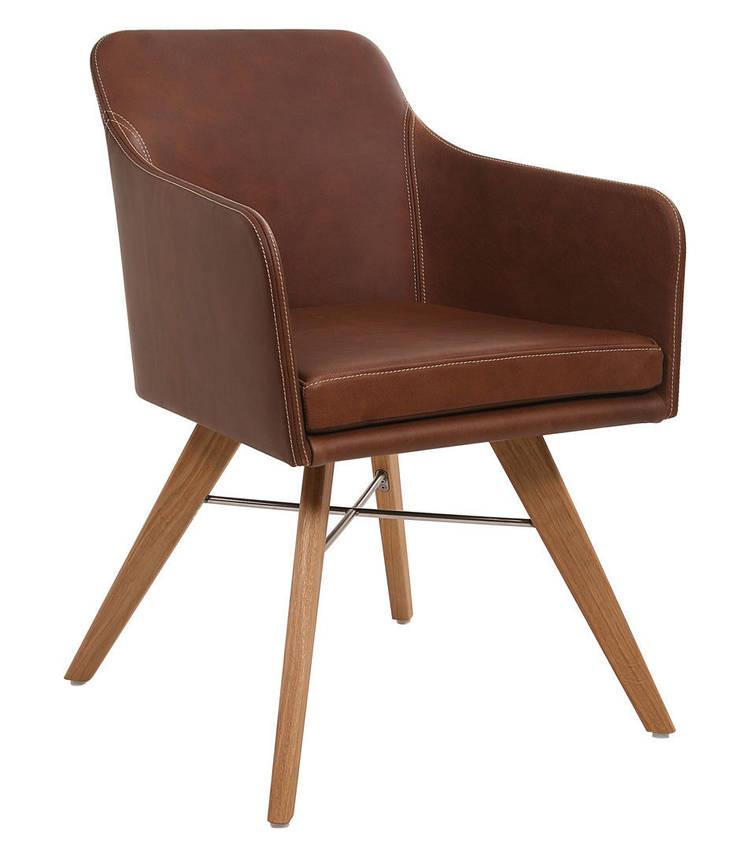 Youma Armlehnstuhl mit Holzgestell:  Esszimmer von KwiK Designmöbel GmbH,