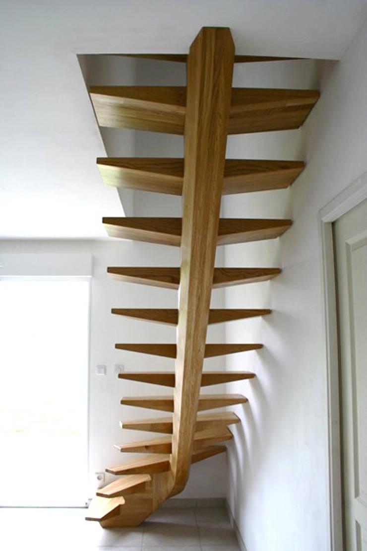 escalier: Maisons de style  par Atelier Christophe Bret / Ebéniste Designer