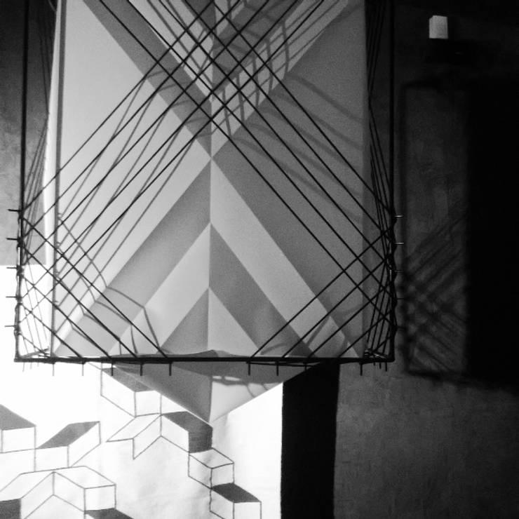 MEZQUITE GASTRONIMÍA: Paisajismo de interiores de estilo  por Fonk