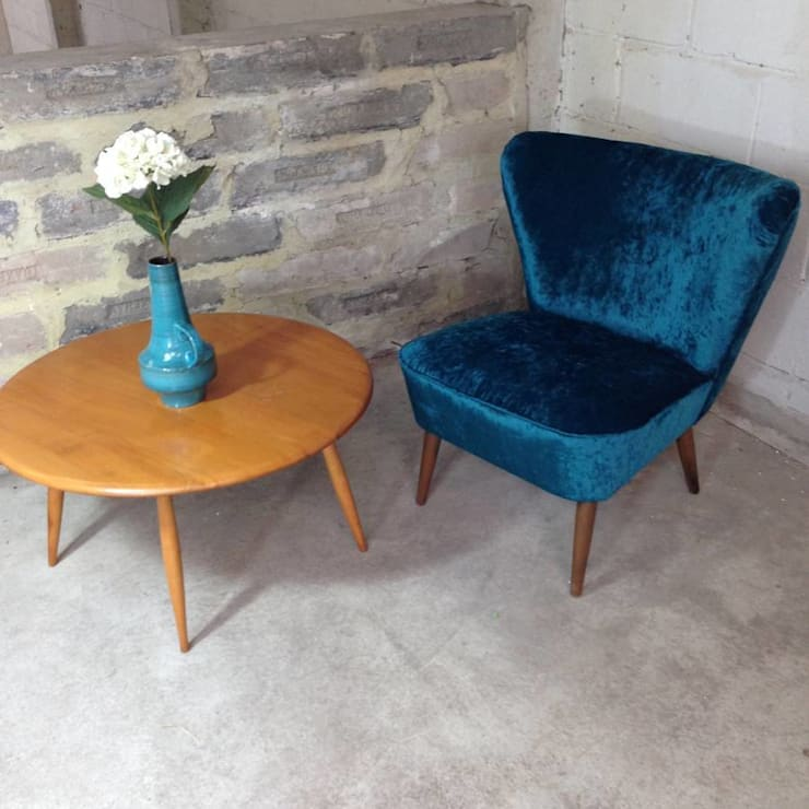 Teal Velvet 1950's Cocktail Chair:  Living room by Sketch Interiors