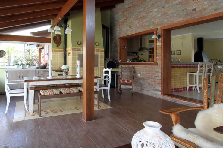 Case in stile  di Graça Brenner Arquitetura e Interiores