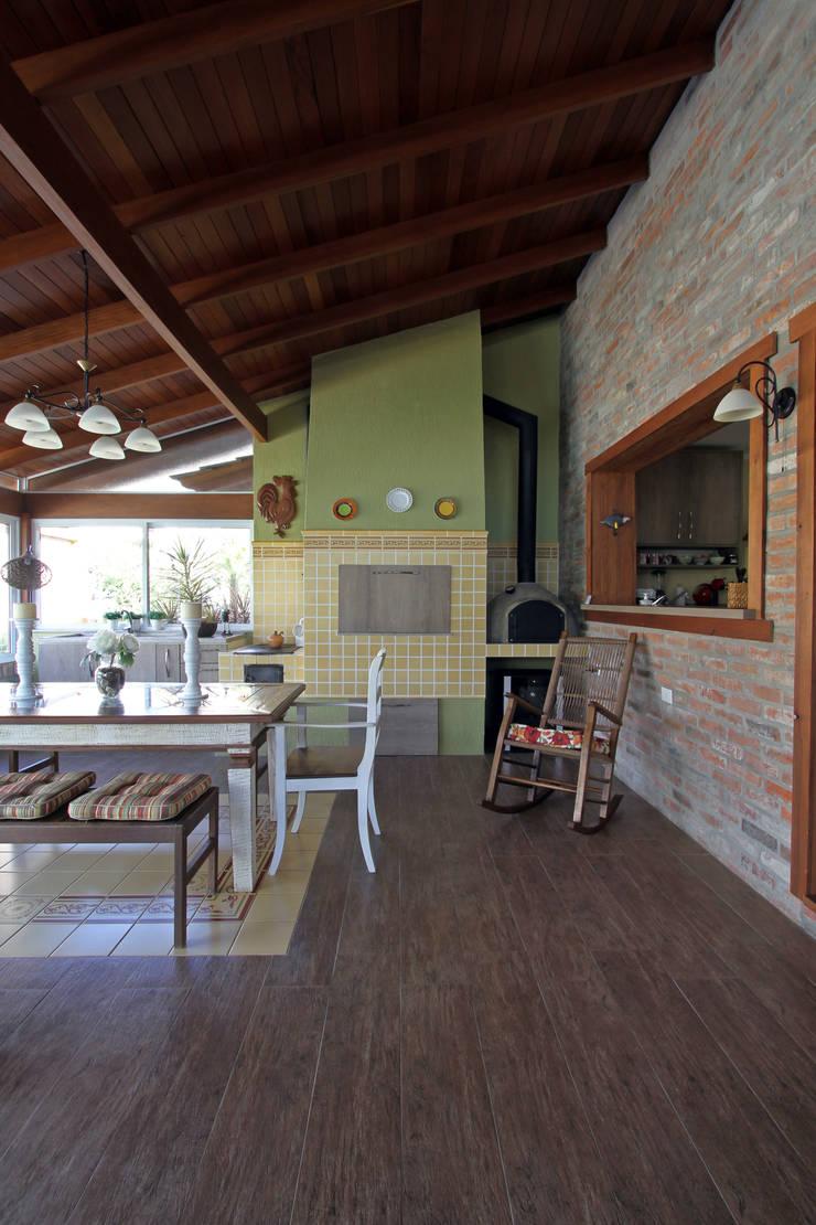 CASA DE CAMPO: Casas  por Graça Brenner Arquitetura e Interiores,Rústico