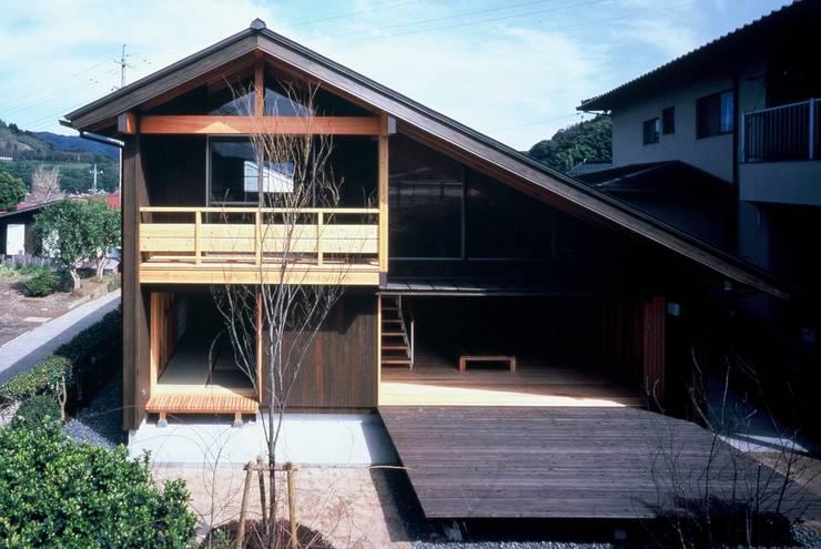雲南のスローハウス: 江角アトリエが手掛けたです。