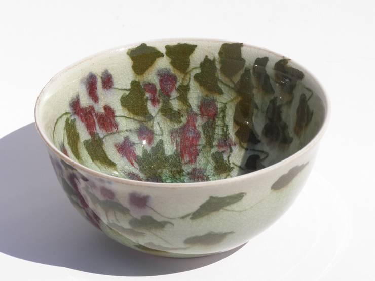 Bols en porcelaine: Art de style  par Malika Chouieb