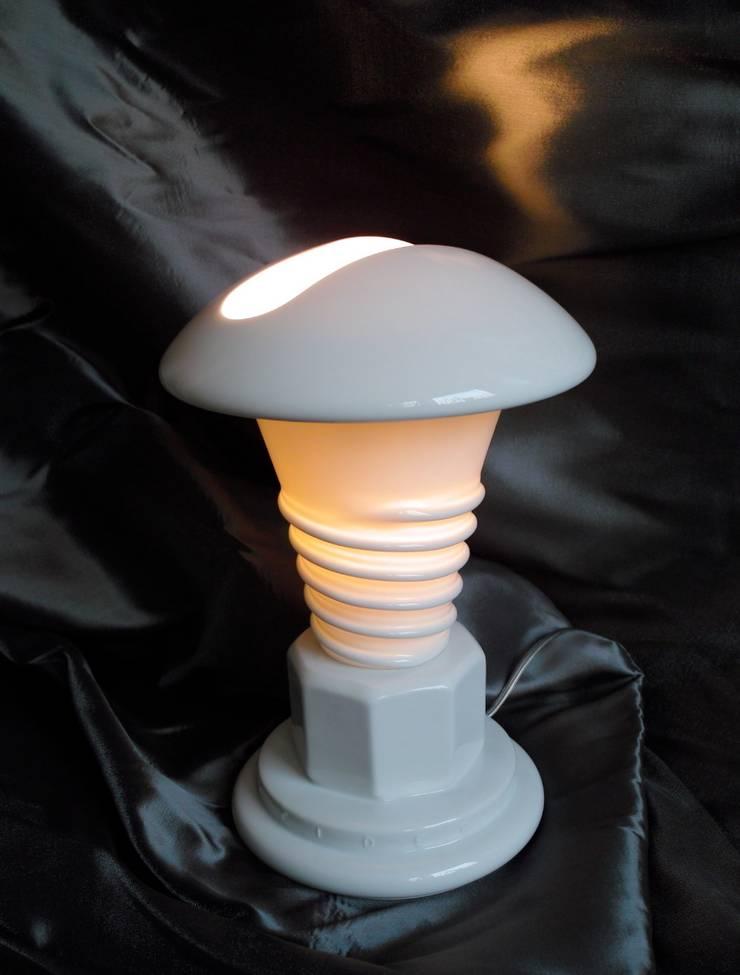 lampe les temps modernes: Salon de style  par MADE 75