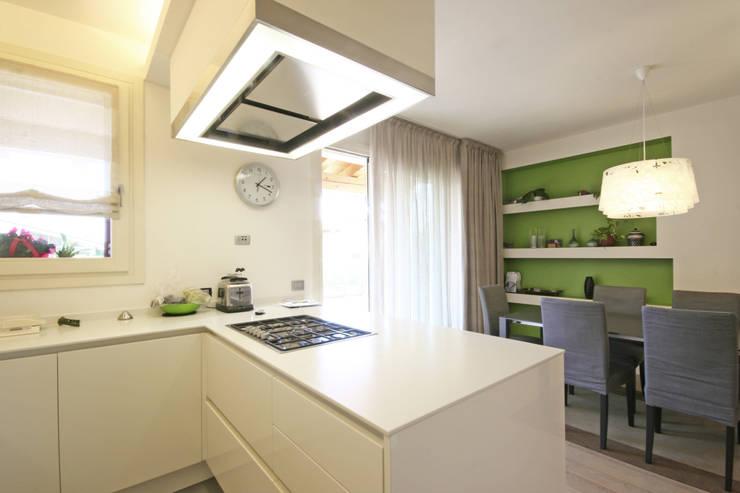 House in Marostica: Cucina in stile in stile Moderno di Diego Gnoato Architect