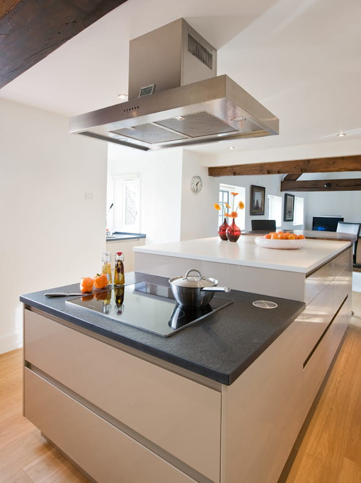 Enduring:  Kitchen by Mowlem&Co
