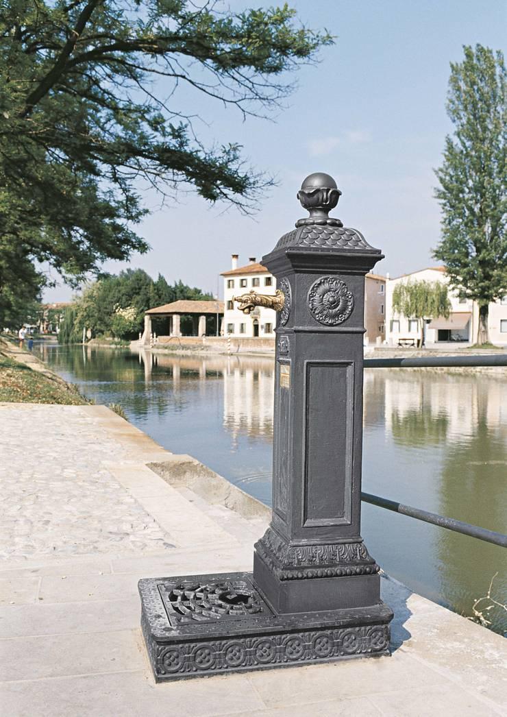 Fontana Scilla:  in stile  di chiogna.m,