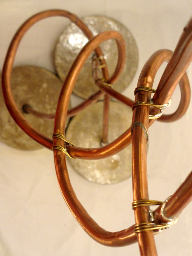 """Grand Luminaire """"Feuillage de Ginkgo"""": Maison de style  par Artiste Sculpteur, Designer et Artisan d'Art"""