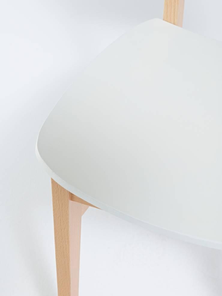 chaise CUP CUP by DEZETEL: Art de style  par Luc VINCENT