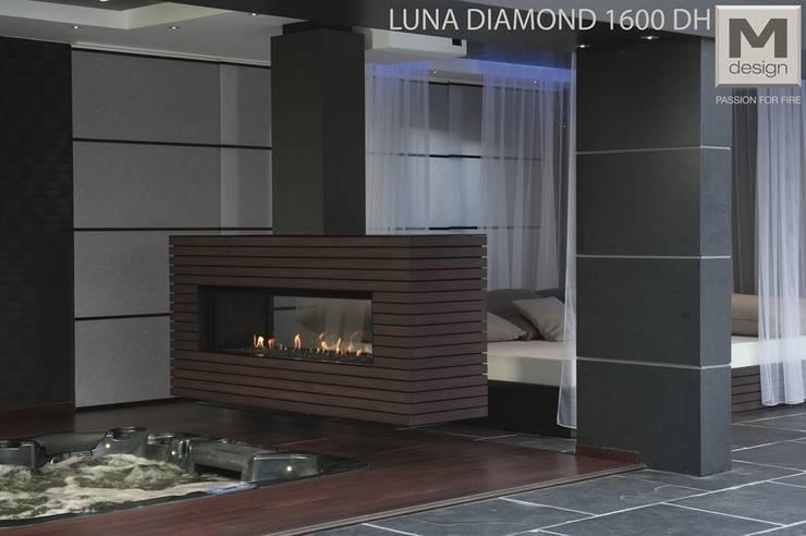 LUNA DIAMOND 1600 DH: minimalistische Wohnzimmer von M-design Deutschland GmbH