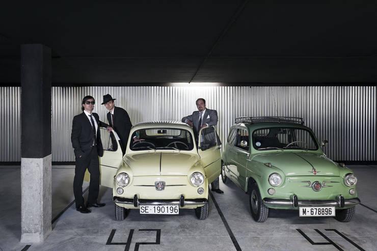 Garagens e edículas  por Miguel herraiz, Mauro Bravo, Marina del Mármol y Daniel Bergman