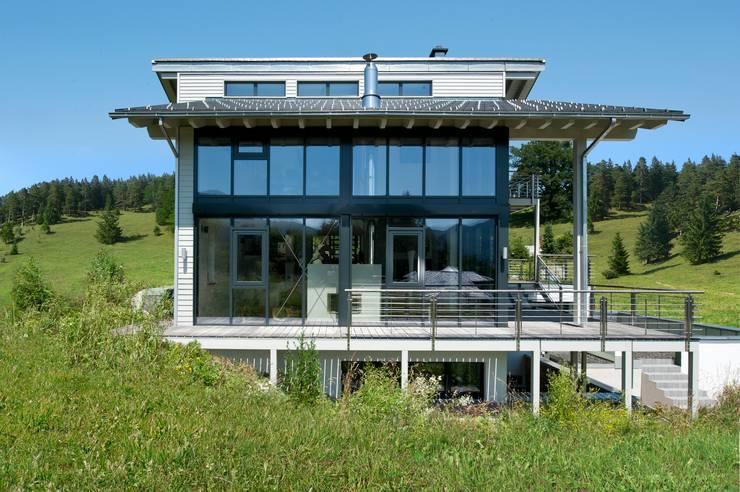 Casas modernas por Bau-Fritz GmbH & Co. KG