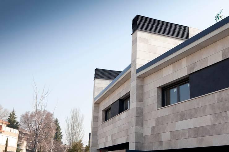 Hogar de estilo  por TALLER VERTICAL Arquitectura + Interiorismo