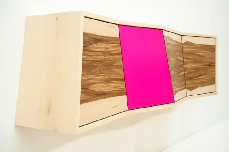 Aberration:  Wohnzimmer von Arne Leucht
