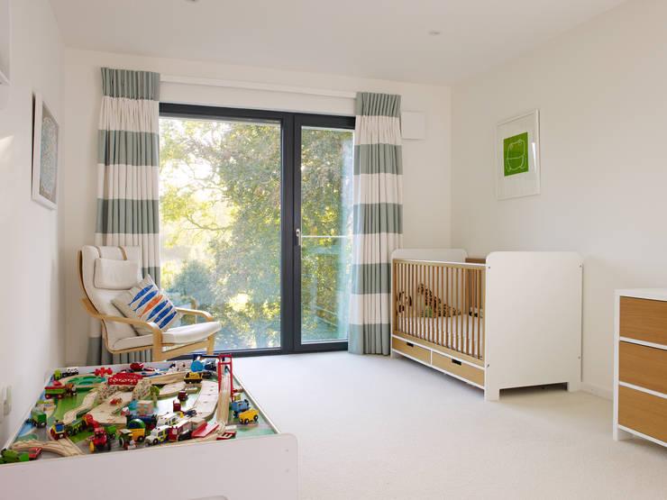 Projekty,  Pokój dziecięcy zaprojektowane przez Bau-Fritz GmbH & Co. KG
