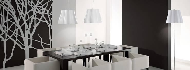 Lámpara MISS: Salones de estilo  de Santiago Sevillano Industrial Design