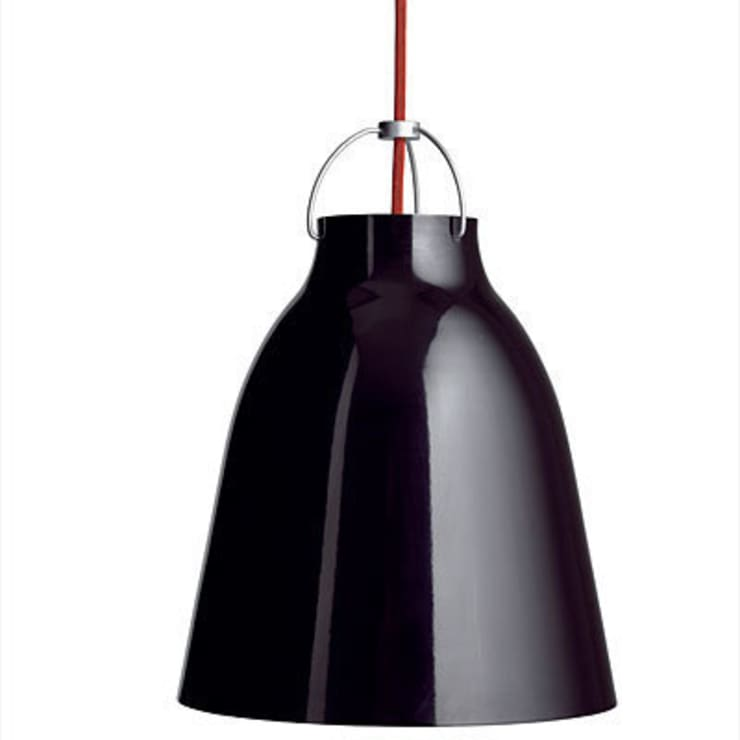 Carrivaggio pendant light by Lightyears:  Dining room by Urbansuite