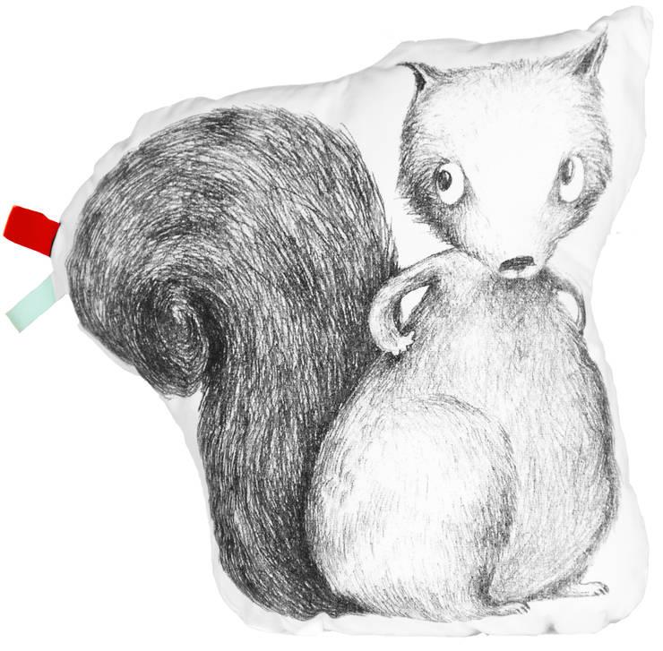 Coussin Lulu l'écureuil: Chambre d'enfants de style  par IKYOME