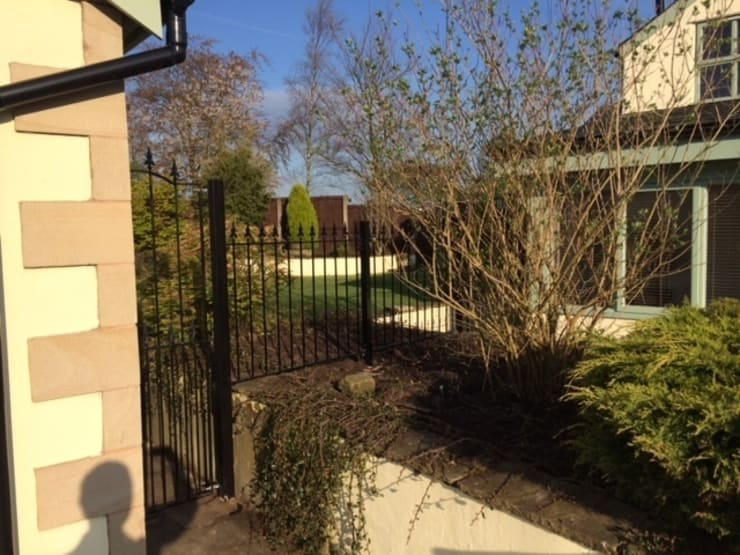 Made to measure fencing:  Garden  by Garden Gates Direct