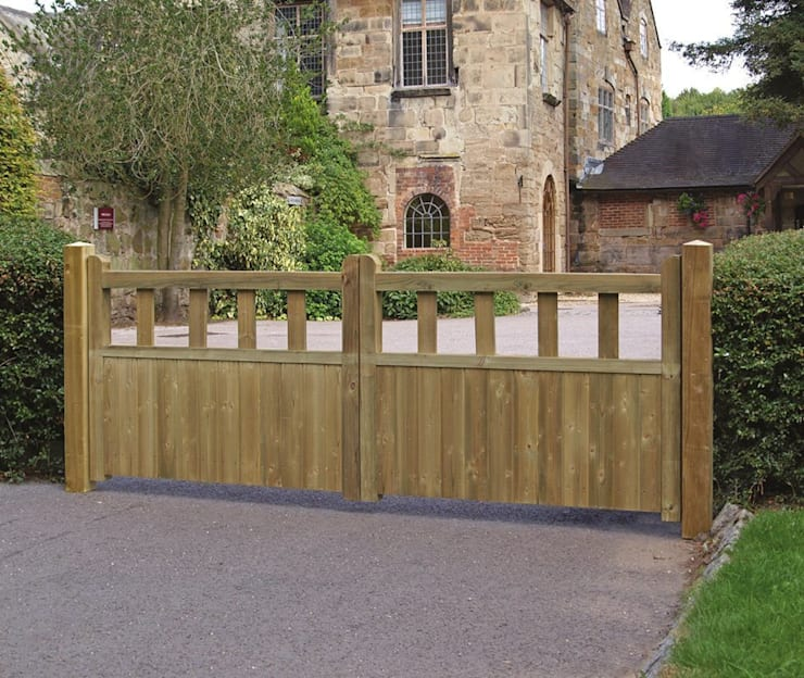Fortress Wooden Driveway Gates:  Garden  by Garden Gates Direct