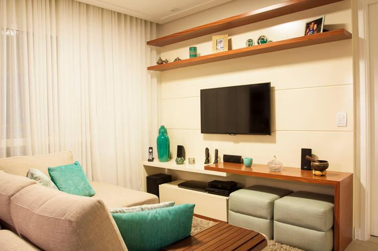Apartamento Ipiranga I: Salas de estar  por Erica Souza Interiores,