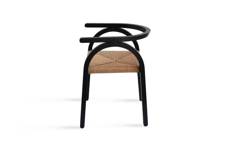 Amilcare chair: Soggiorno in stile  di Matteo Beraldi Design Office,