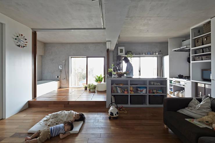 バスキッチンの家: Takeshi Shikauchi Architect Office/鹿内健建築事務所が手掛けた家です。