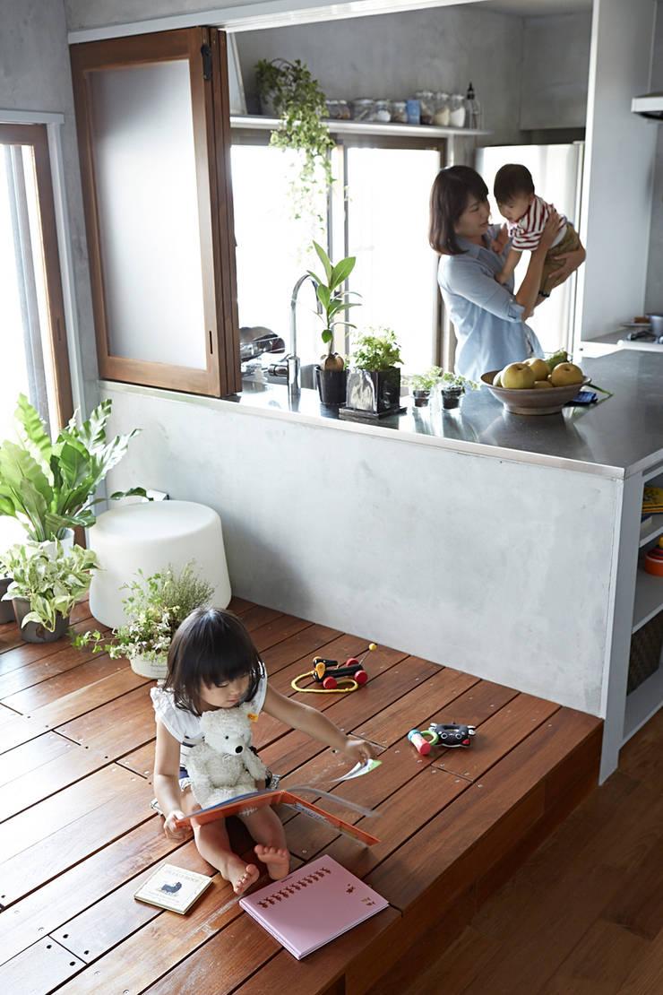 バスキッチンの家: Takeshi Shikauchi Architect Office/鹿内健建築事務所が手掛けた家です。,