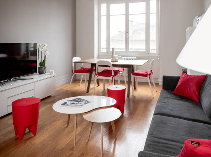 Rénovation d'un appartement à Lyon 07: Salon de style  par Marion Lanoë Architecte d'Intérieur