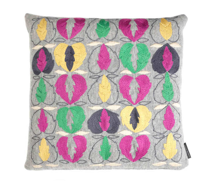 Kit Kemp Heart of Oak - Pink & Green on Grey:  Living room by Fine Cell Work