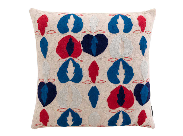 Kit Kemp Heart of Oak - Blue & Red on Cream:  Living room by Fine Cell Work