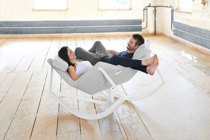 SWAY: moderne Wohnzimmer von Markus Krauss
