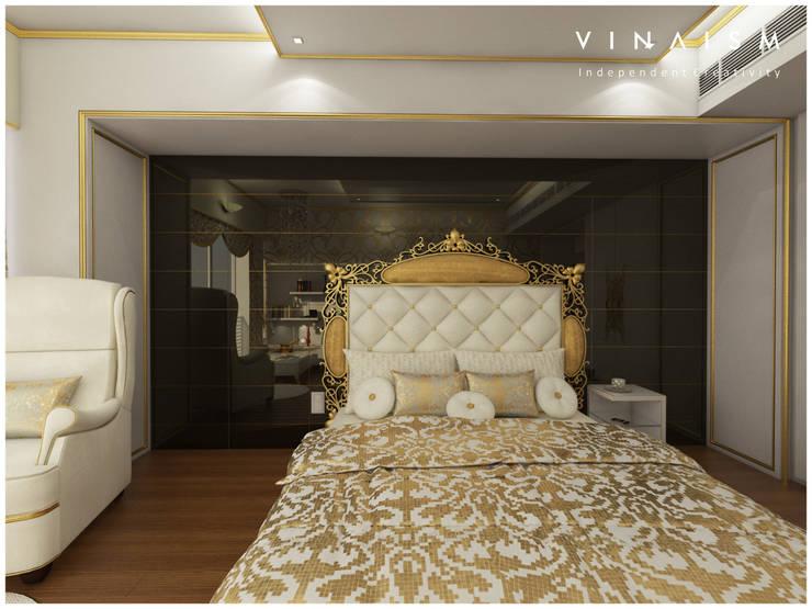 white n golden:  Bedroom by V I N A I S M