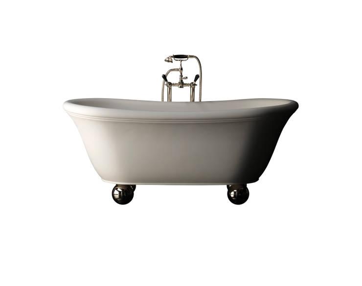 AURORA BIJOUX BATHTUB:  Bathroom by Devon&Devon UK