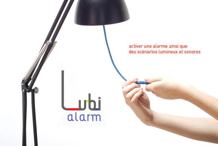Lubi Alarm: Maison de style  par JUSTINE ANDRIEU