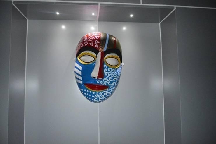 glass fiber mask for  outdoor dacor:  Artwork by mrittika,  the sculpture