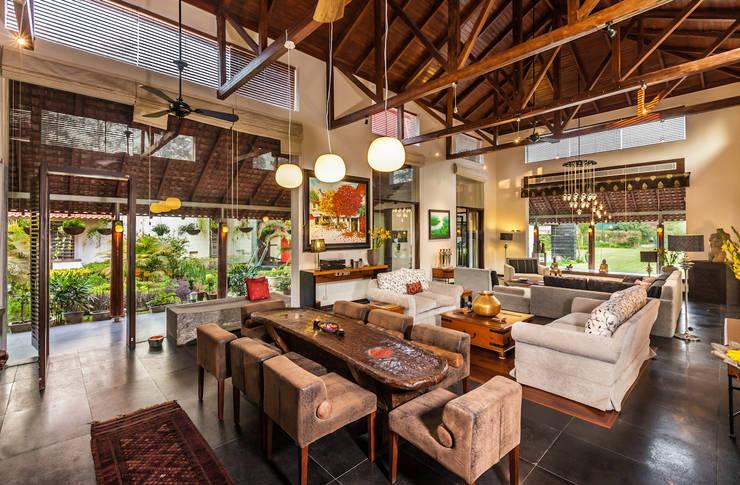 غرفة السفرة تنفيذ Kumar Moorthy & Associates