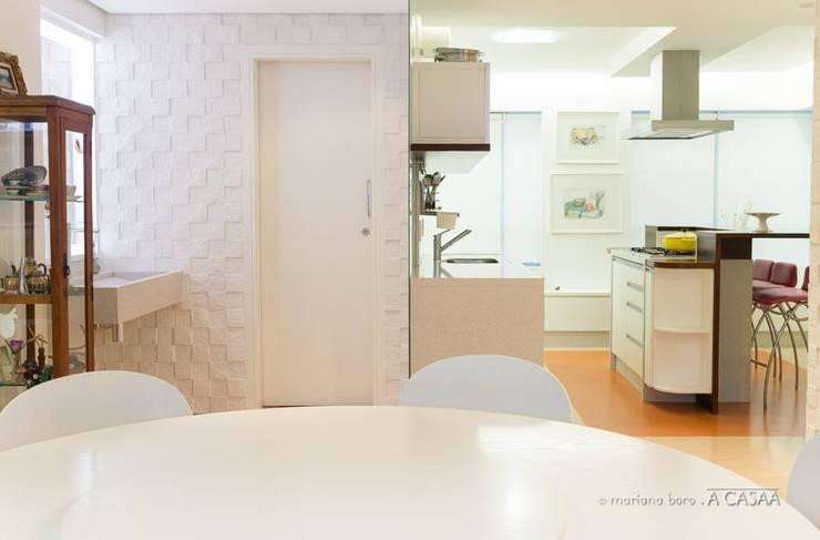 apartamento de Verão: Casas  por Rico Mendonça
