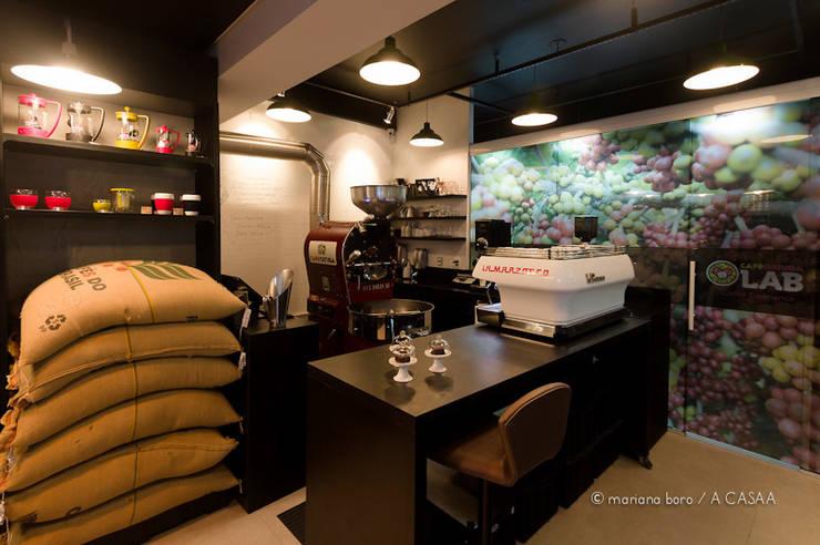 Café Lab: Espaços comerciais  por Rico Mendonça