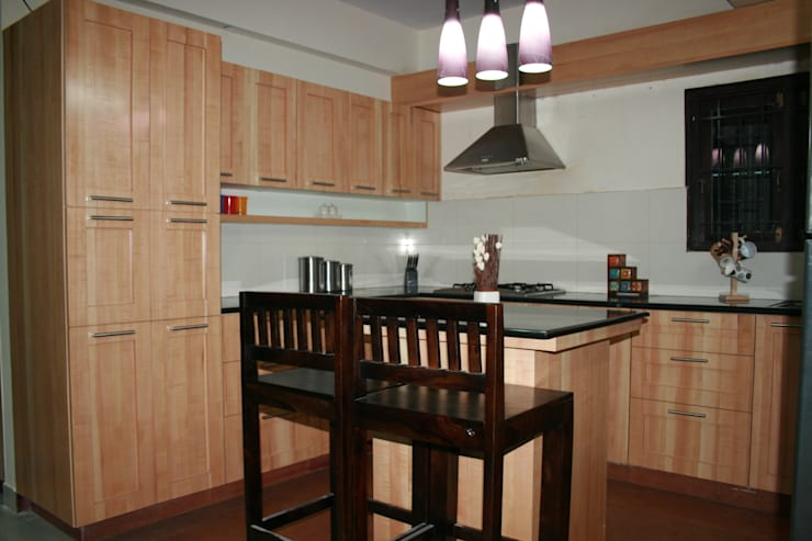 Apartment in Kundanahalli:   by Innover Interior Designs