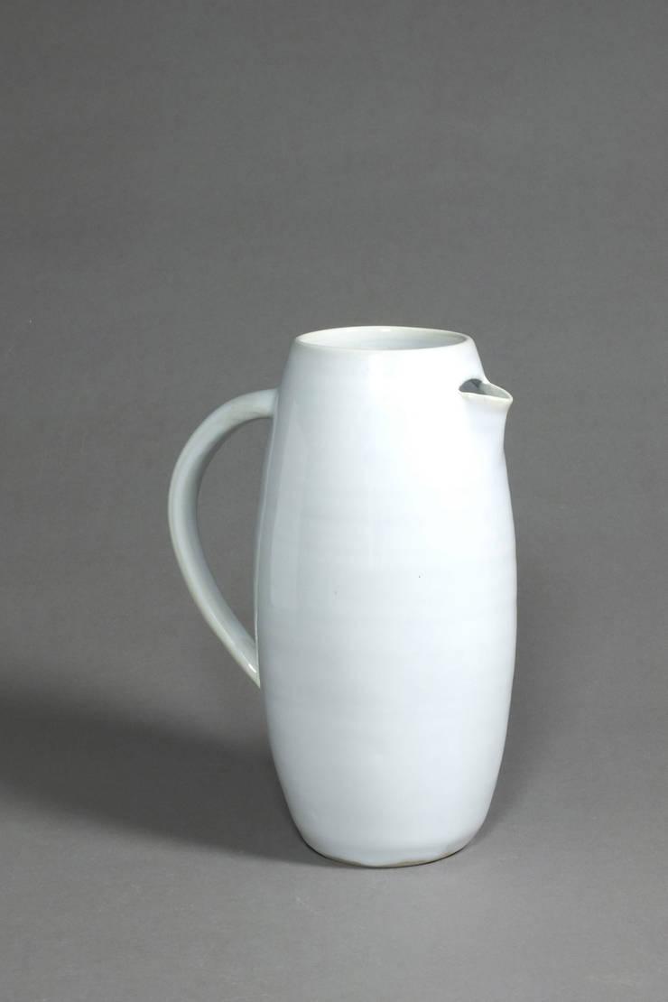 Broc à eau: Cuisine de style  par Laurence Fontaine Ceramique
