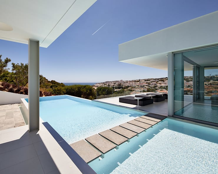 Villa Escarpa, Praia da Luz, Portugal:  Pool von Philip Kistner Fotografie