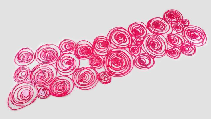 RUNNER ROSE - CROdesign: Casa in stile  di Crosolution