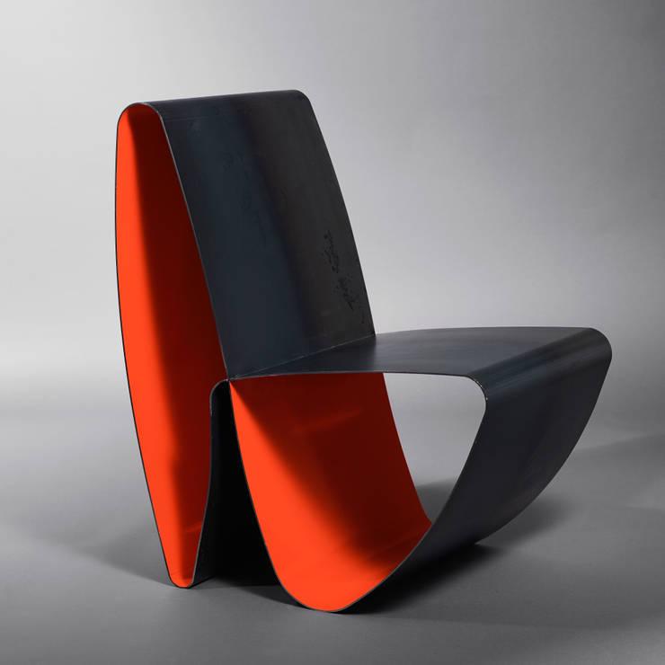 Fauteuil Infini: Maison de style  par Coco Steel