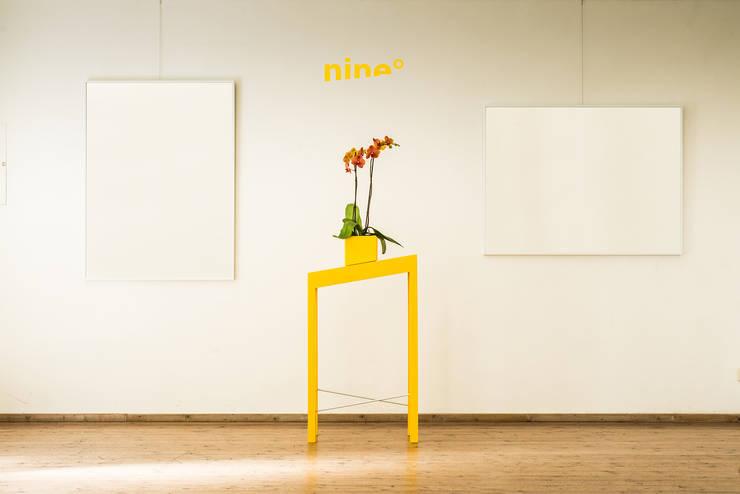 Tisch nine°:  Wohnzimmer von Wild Degrees