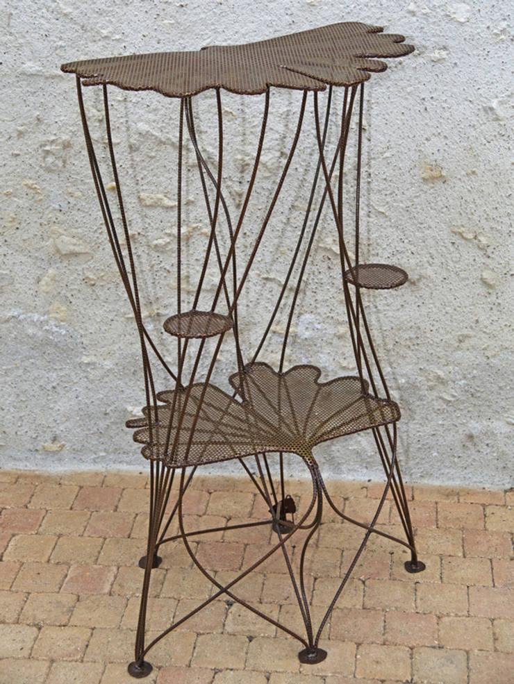 "Guéridon ""Feuillages de Ginkgo"": Maison de style  par Artiste Sculpteur, Designer et Artisan d'Art"